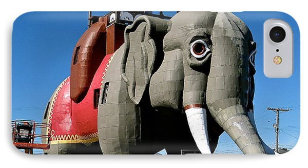 Lucy The Elephant IPhone Case by Ira Shander