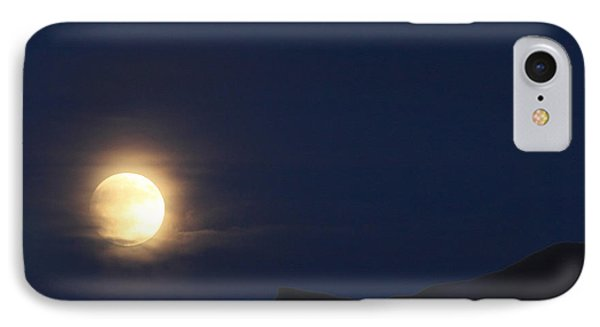 IPhone Case featuring the photograph Moonrise On Lake Mead 2 by Marie Leslie