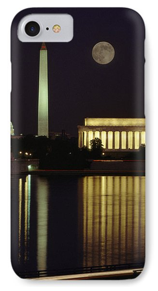 Moonrise Over The Lincoln Memorial IPhone 7 Case
