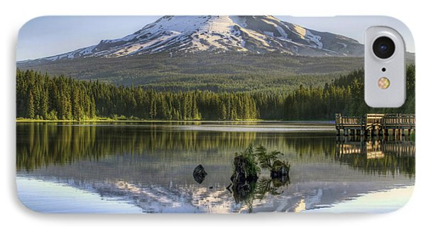 Mount Hood Reflection On Trillium Lake Phone Case by David Gn
