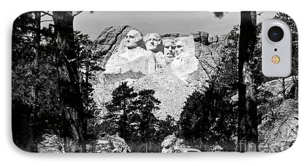 Mt Rushmore IPhone 7 Case by American School