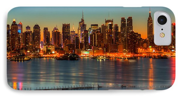 New York City Skyline Morning Twilight V Phone Case by Clarence Holmes