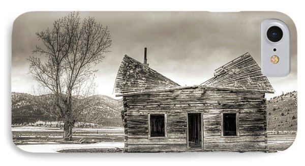 Old Rustic Log Cabin In The Snow Phone Case by Dustin K Ryan