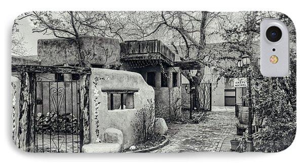 Old Town Albuquerque Secret Passageway In Black And White - Albuquerque New Mexico IPhone Case