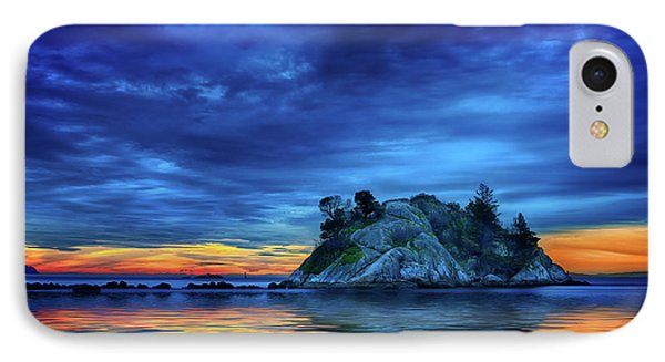 IPhone Case featuring the photograph Pacific Sunset by John Poon