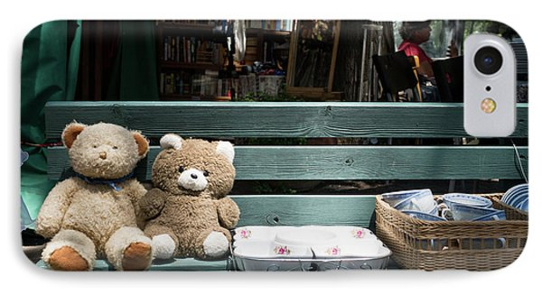 Teddy Bear Lovers On The Banch IPhone Case