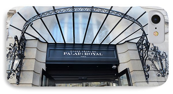Paris Palais Royal Hotel Door - Paris Art Nouveau Hotel Palais Royal Entrance Architecture IPhone Case