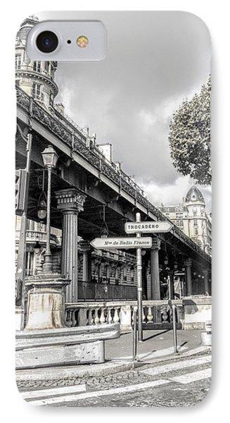 Pont De Bir-hakeim, Paris, France IPhone Case