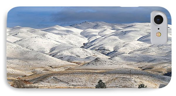 IPhone Case featuring the photograph Pretty In White by Donna Kennedy