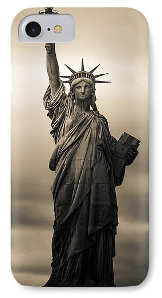 Statute Of Liberty IPhone 7 Case by Tony Castillo