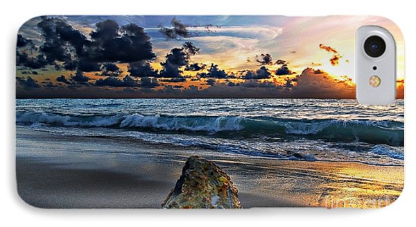 Sunrise Seascape Wisdom Beach Florida C3 Phone Case by Ricardos Creations