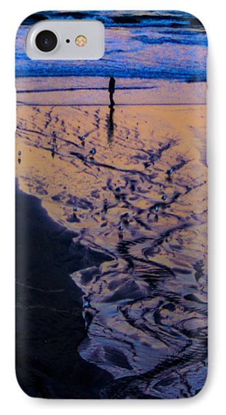 IPhone Case featuring the photograph The Comming Day by Dale Stillman