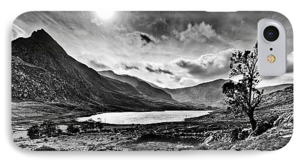 Tryfan And Llyn Ogwen IPhone Case by Beverly Cash