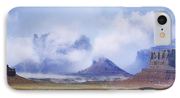 Valley Of The Gods Phone Case by Leland D Howard