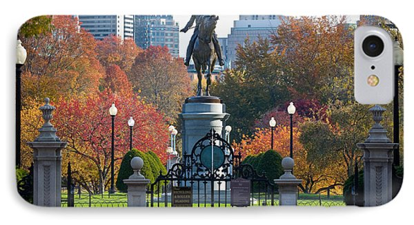 Washington Statue In Autumn Phone Case by Susan Cole Kelly