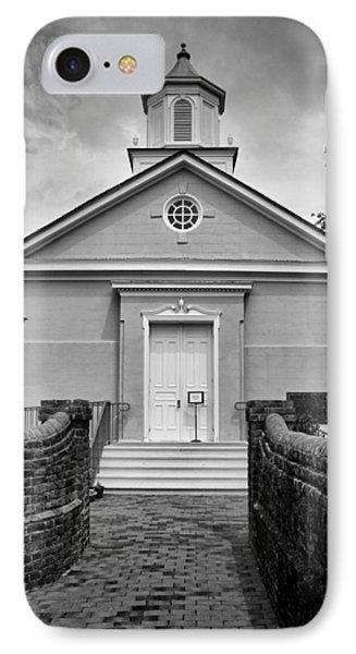 York-hampton Parish Church - Bw W Border IPhone Case