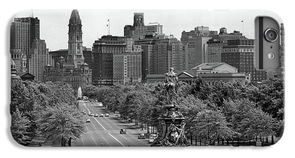 Washington Monument iPhone 7 Plus Case - 1950s Benjamin Franklin Parkway Looking by Vintage Images