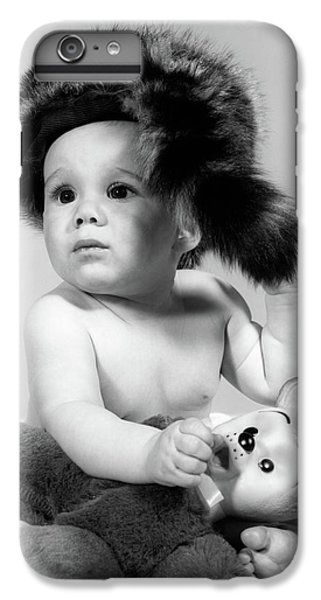 1960s Baby Wearing Coonskin Hat IPhone 7 Plus Case
