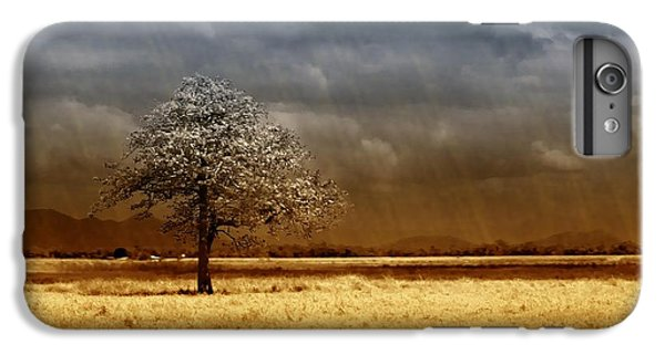iPhone 7 Plus Case - And The Rains Came by Holly Kempe