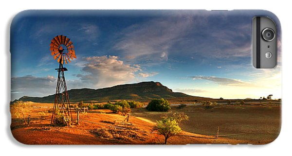 Landscape iPhone 7 Plus Case - First Light On Wilpena Pound by Bill  Robinson