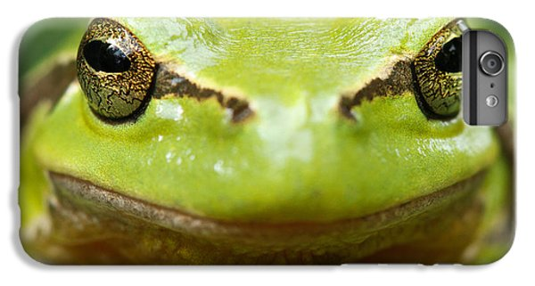 Frogs iPhone 7 Plus Case - It's Not Easy Being Green _ Tree Frog Portrait by Roeselien Raimond