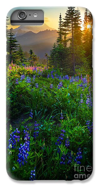 Mount Rainier Sunburst IPhone 7 Plus Case