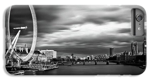 Big Ben iPhone 7 Plus Case - Movement by Arthit Somsakul