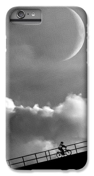 Moon iPhone 7 Plus Case - No Turning Back by Bob Orsillo