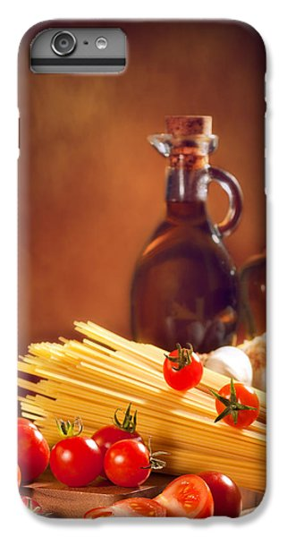 Spaghetti Pasta With Tomatoes And Garlic IPhone 7 Plus Case by Amanda Elwell