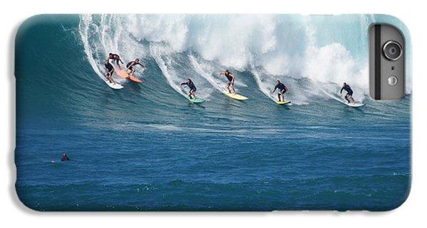 Jet Ski iPhone 7 Plus Case - Waimea Bay Crowd by Kevin Smith
