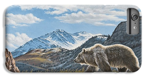 Walking The Ridge - Grizzly IPhone 7 Plus Case
