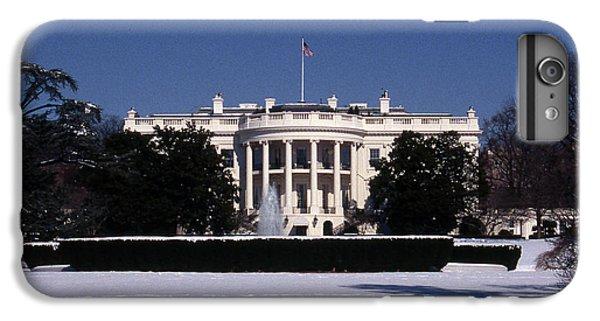 Winter White House  IPhone 7 Plus Case