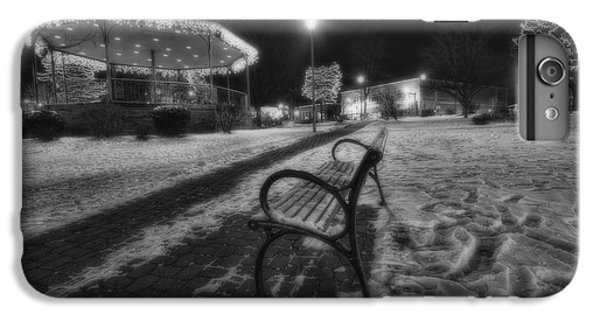 Woodstock Square Xmas Eve Nite IPhone 7 Plus Case by Sven Brogren