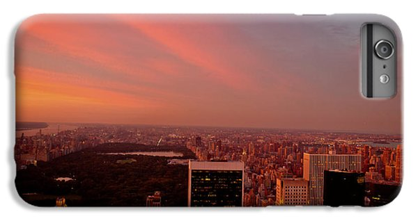 City Sunset iPhone 7 Plus Case - Sunset Over Central Park And The New York City Skyline by Vivienne Gucwa