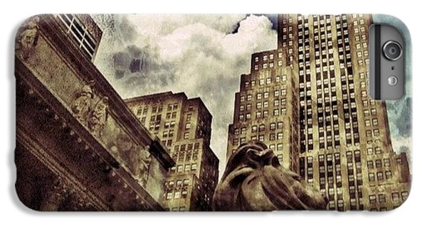 The Resting Lion - Nyc IPhone 7 Plus Case by Joel Lopez