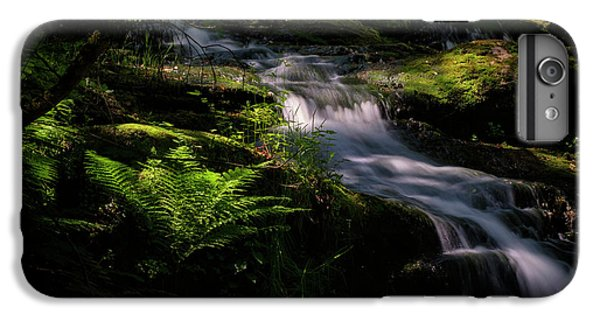 Lynn Mill Waterfalls IPhone 7 Plus Case