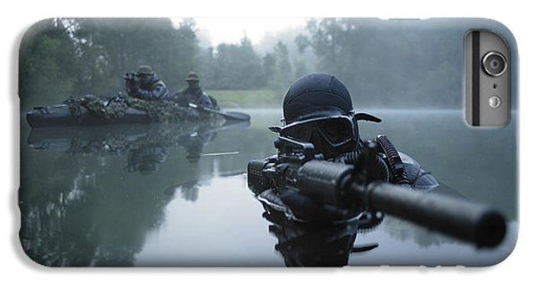 Warfare iPhone 7 Plus Case - Special Operations Forces Combat Diver by Tom Weber