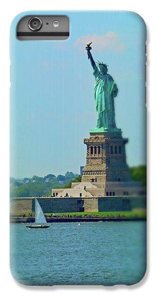 Big Statue, Little Boat IPhone 7 Plus Case