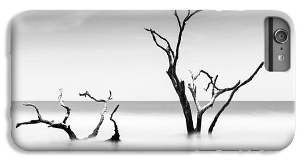 Bull iPhone 7 Plus Case - Boneyard Beach Viii by Ivo Kerssemakers