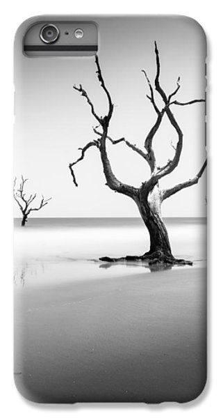 Bull iPhone 7 Plus Case - Boneyard Beach Xiii by Ivo Kerssemakers