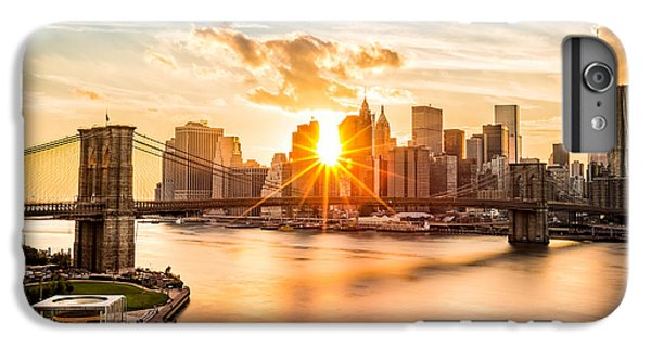 Brooklyn Bridge And The Lower Manhattan Skyline At Sunset IPhone 7 Plus Case