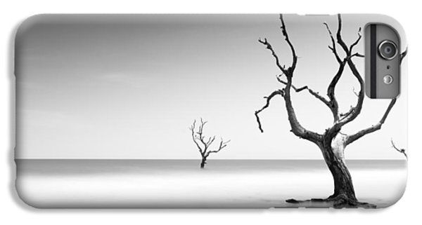 Bull iPhone 7 Plus Case - Boneyard Beach Iv by Ivo Kerssemakers