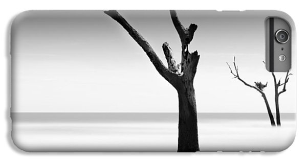 Bull iPhone 7 Plus Case - Bulls Island Vii by Ivo Kerssemakers