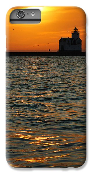 Gold On The Water IPhone 7 Plus Case by Bill Pevlor