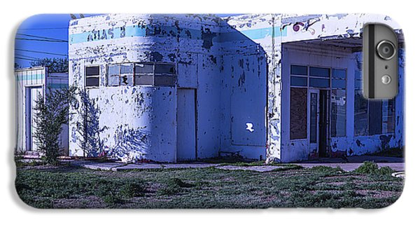 Old Run Down Gas Station IPhone 7 Plus Case by Garry Gay