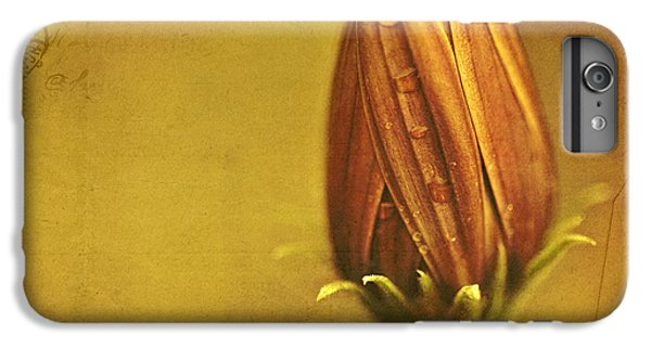 Daisy iPhone 7 Plus Case - Recollection by Bonnie Bruno