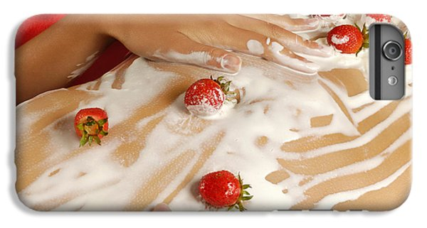 Sexy Nude Woman Body Covered With Cream And Strawberries IPhone 7 Plus Case