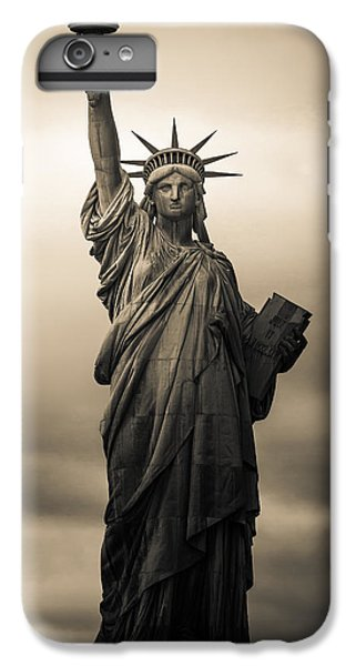 Statute Of Liberty IPhone 7 Plus Case by Tony Castillo