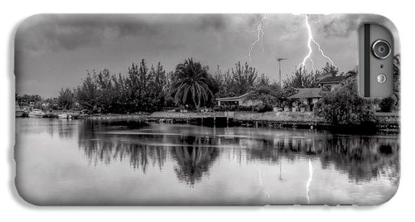 Storm In Paradise IPhone 7 Plus Case
