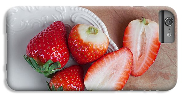 Strawberries From Above IPhone 7 Plus Case